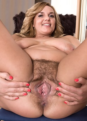 Mature Hairy Pussy Porn Pictures