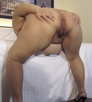Mature Spread Ass Porn Pictures