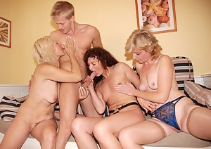 Mature Reverse Gangbang Porn Pictures