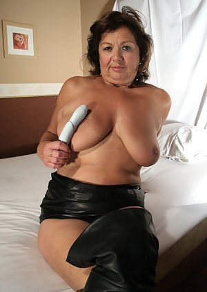 Mature Leather Porn Pictures