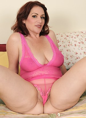 Mature Cameltoe Porn Pictures